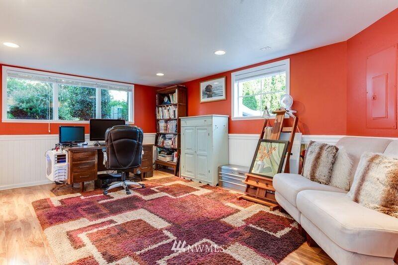 Sold Property | 17048 8th Avenue NE Shoreline, WA 98155 13