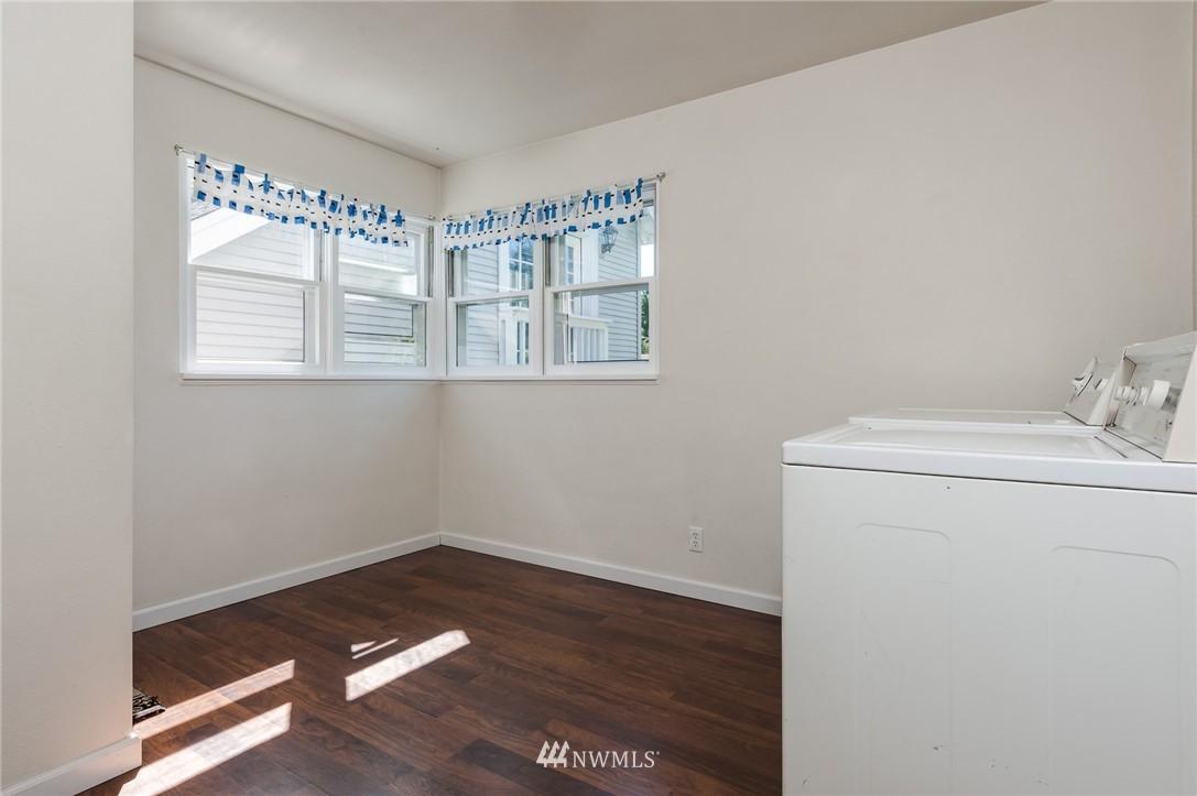 Sold Property | 17048 8th Avenue NE Shoreline, WA 98155 9