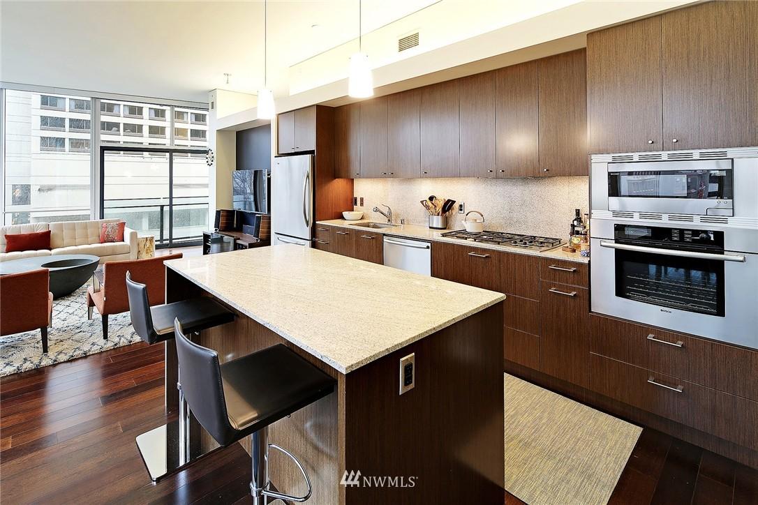 Sold Property   909 5th Avenue #604 Seattle, WA 98164 3