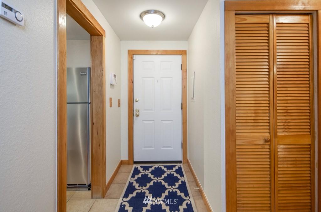 Sold Property   10545 Meridian Avenue N #102 Seattle, WA 98133 5