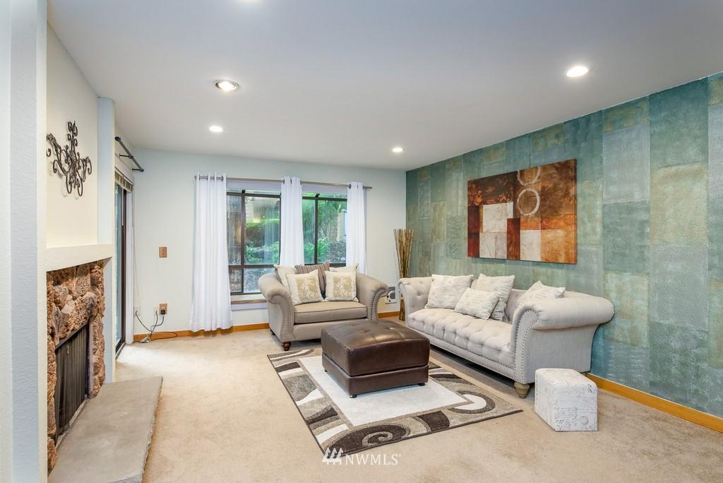 Sold Property   10545 Meridian Avenue N #102 Seattle, WA 98133 6