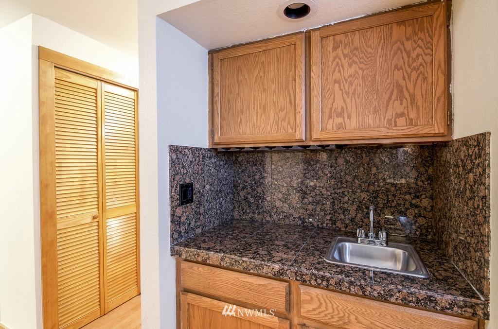 Sold Property   10545 Meridian Avenue N #102 Seattle, WA 98133 13