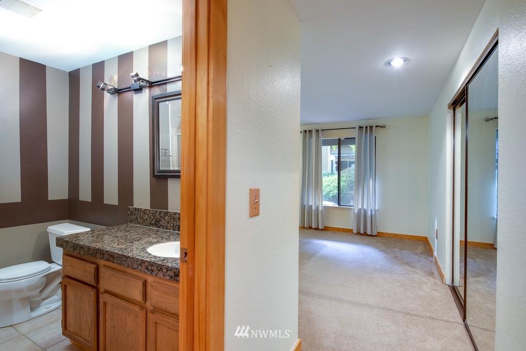 Sold Property   10545 Meridian Avenue N #102 Seattle, WA 98133 15
