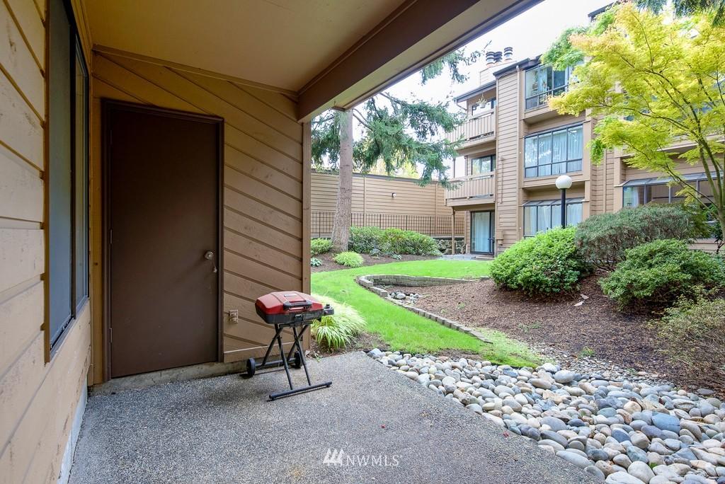 Sold Property   10545 Meridian Avenue N #102 Seattle, WA 98133 22