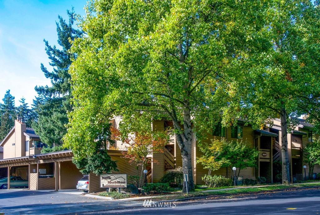 Sold Property   10545 Meridian Avenue N #102 Seattle, WA 98133 23
