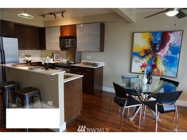 Sold Property   159 Denny Way #401 Seattle, WA 98109 6