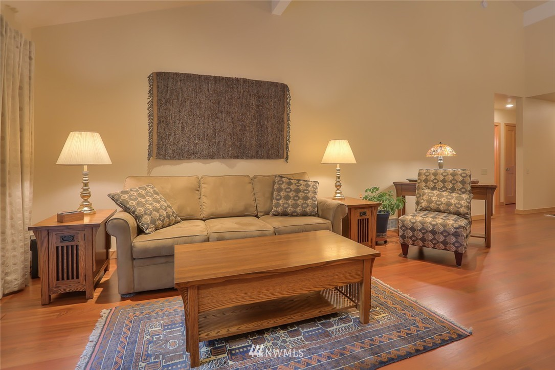 Sold Property | 13730 15th Avenue NE #A304 Seattle, WA 98125 3