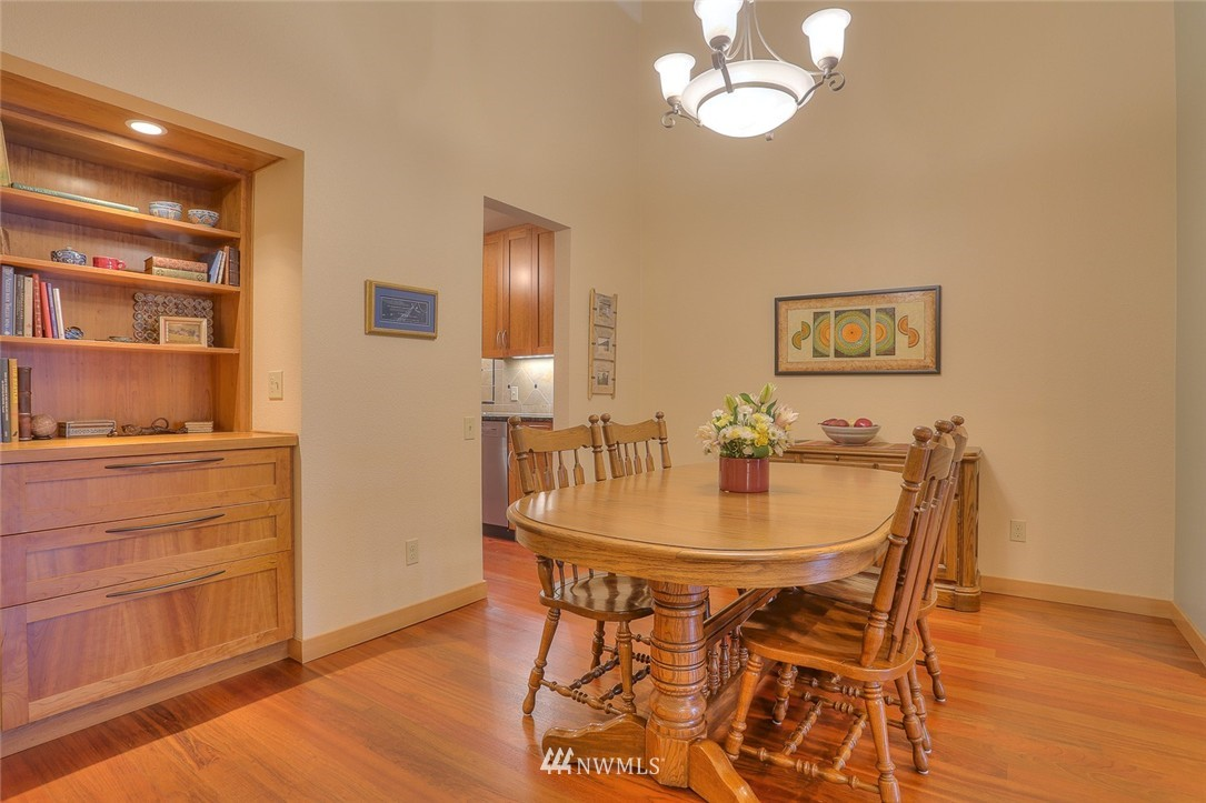 Sold Property | 13730 15th Avenue NE #A304 Seattle, WA 98125 6