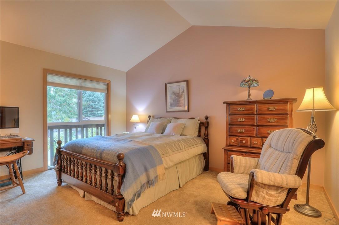 Sold Property | 13730 15th Avenue NE #A304 Seattle, WA 98125 12