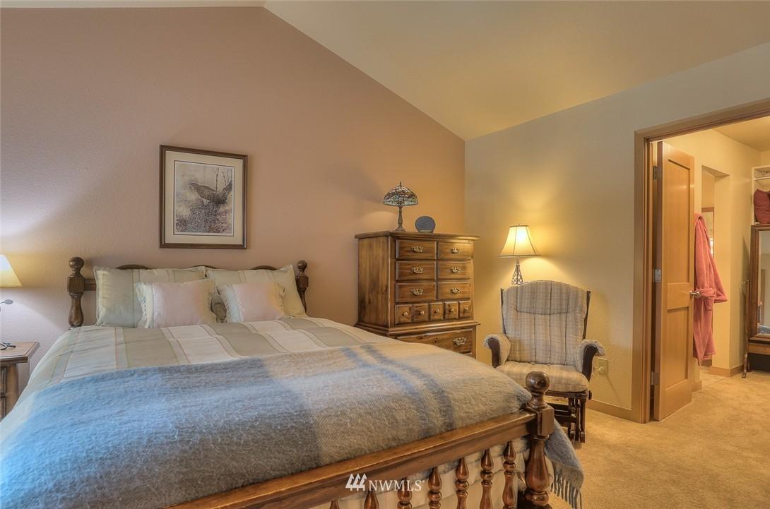 Sold Property | 13730 15th Avenue NE #A304 Seattle, WA 98125 14