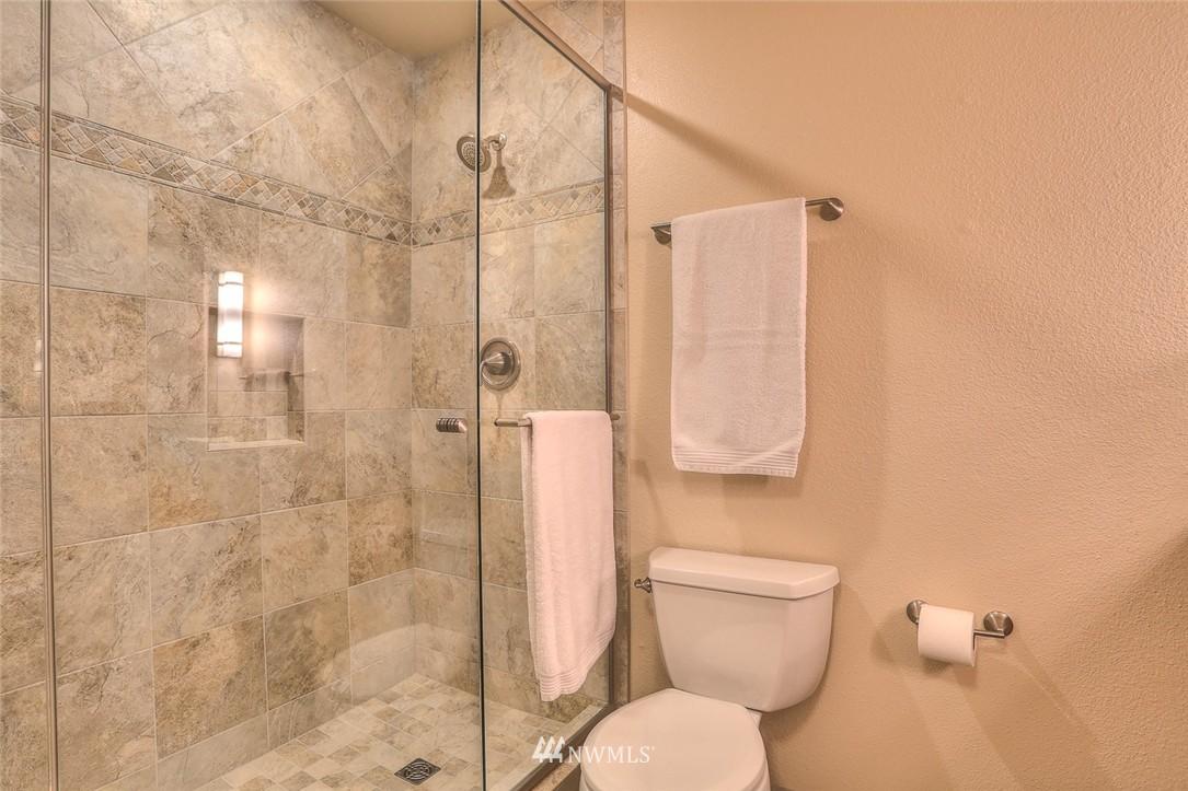 Sold Property | 13730 15th Avenue NE #A304 Seattle, WA 98125 16