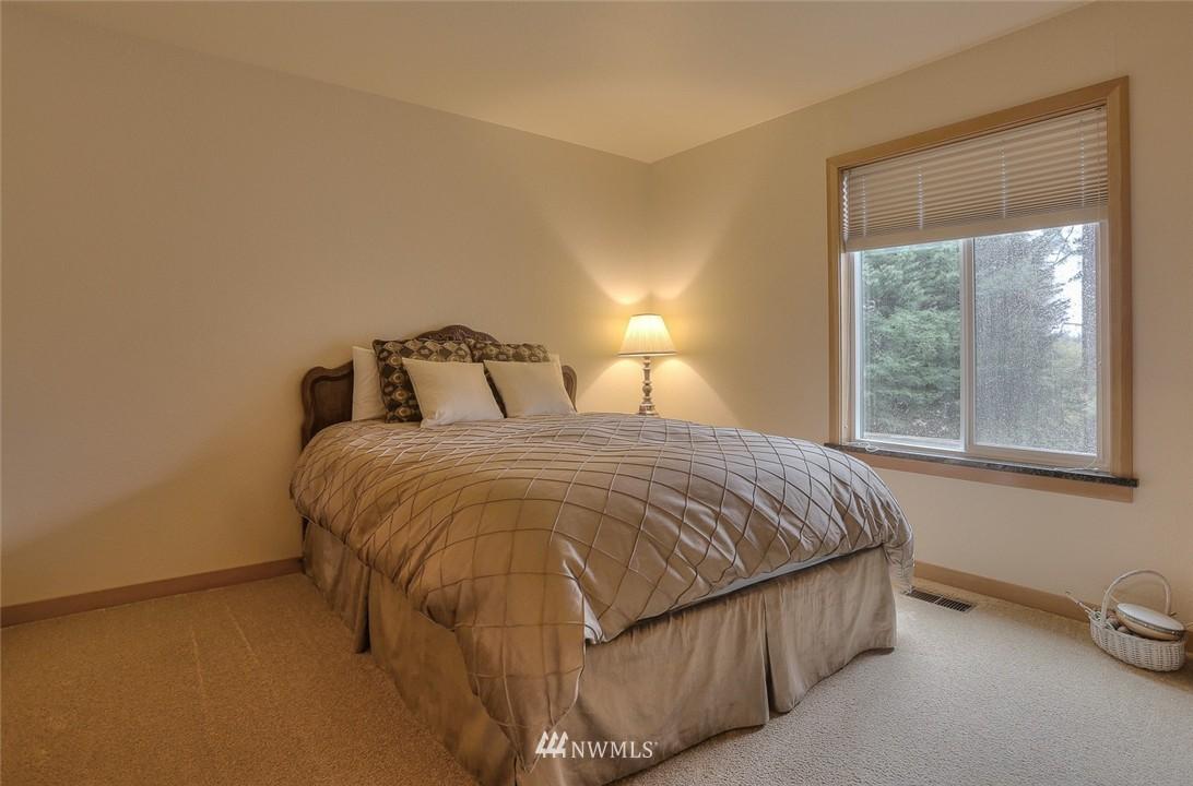 Sold Property | 13730 15th Avenue NE #A304 Seattle, WA 98125 17