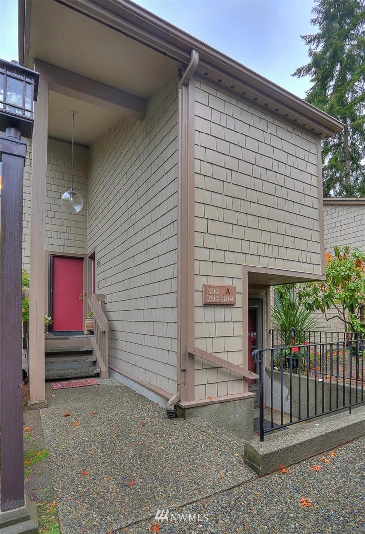 Sold Property | 13730 15th Avenue NE #A304 Seattle, WA 98125 22