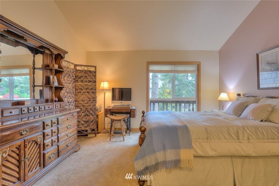 Sold Property | 13730 15th Avenue NE #A304 Seattle, WA 98125 13