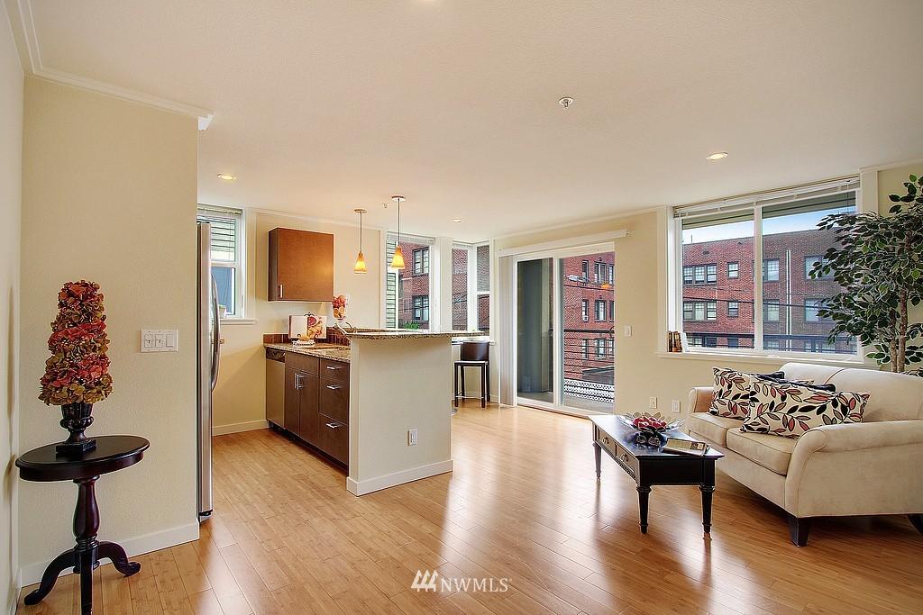 Sold Property | 626 4th Avenue W #303 Seattle, WA 98119 1