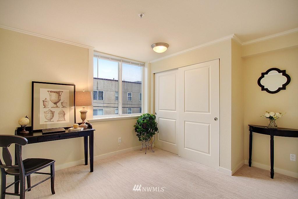 Sold Property | 626 4th Avenue W #303 Seattle, WA 98119 6