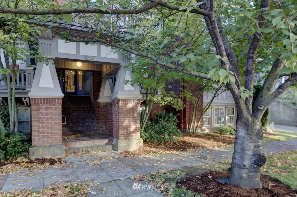 Sold Property | 214 13th Avenue E #12 Seattle, WA 98102 1