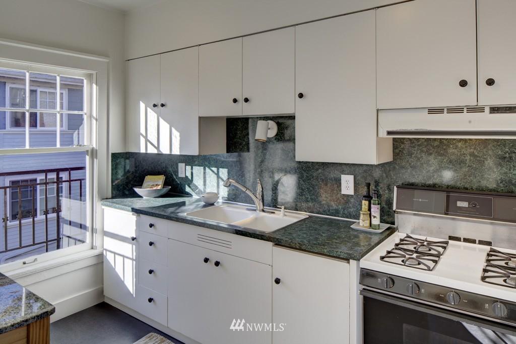 Sold Property | 214 13th Avenue E #12 Seattle, WA 98102 7