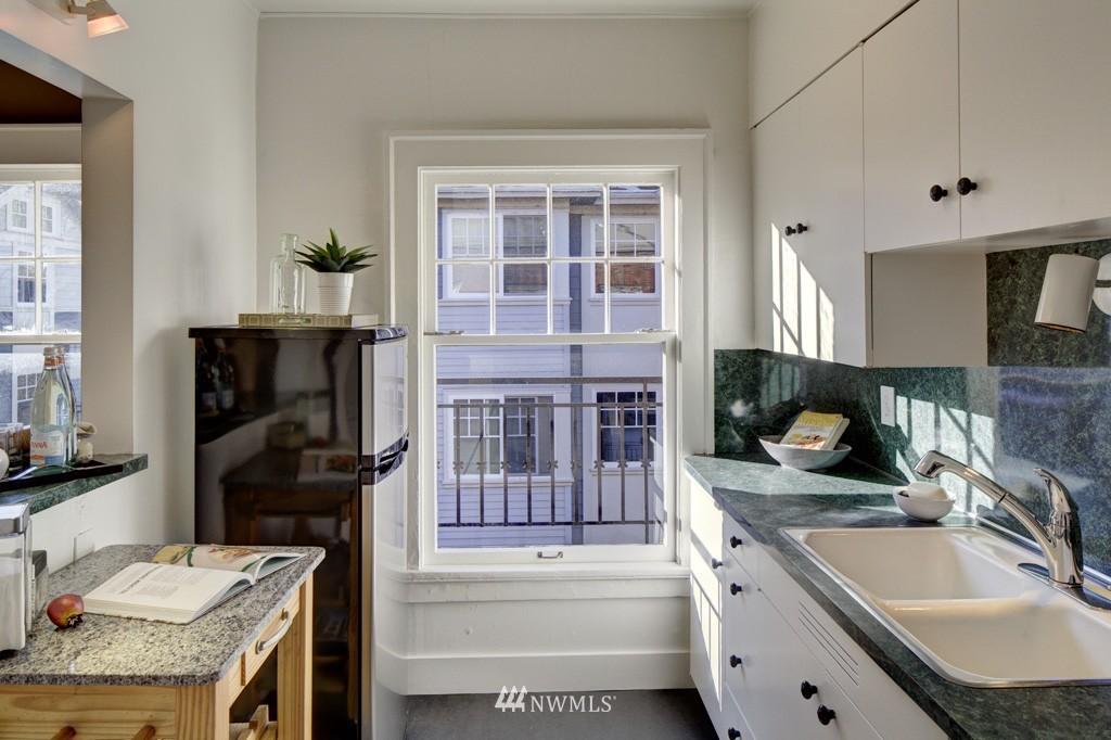 Sold Property | 214 13th Avenue E #12 Seattle, WA 98102 8