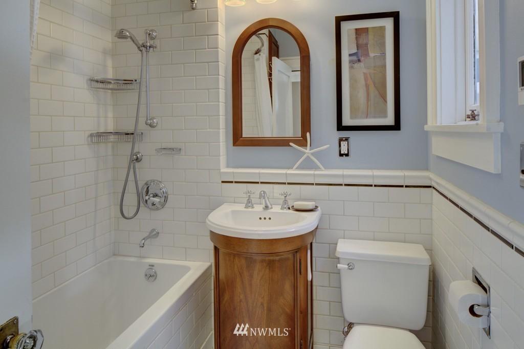 Sold Property | 214 13th Avenue E #12 Seattle, WA 98102 13