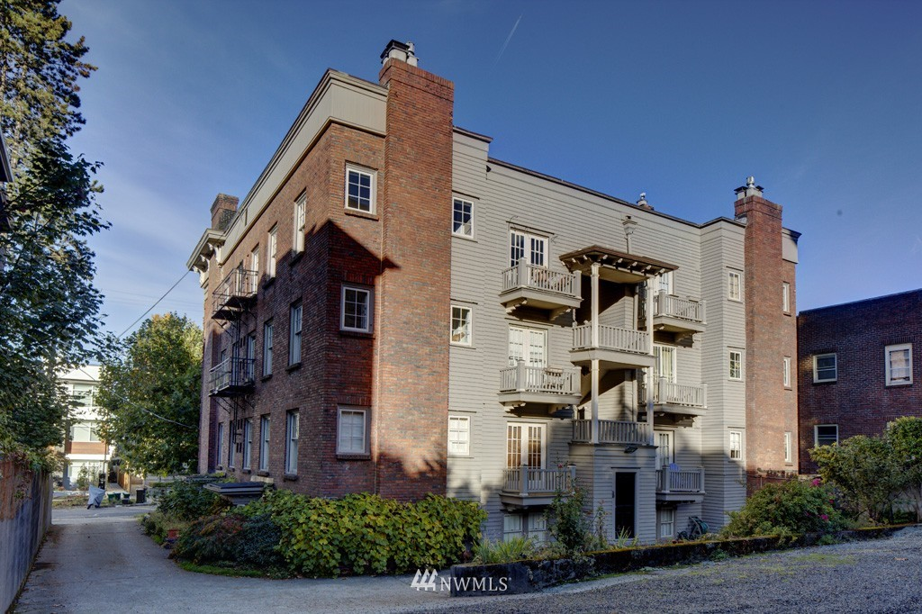 Sold Property | 214 13th Avenue E #12 Seattle, WA 98102 19