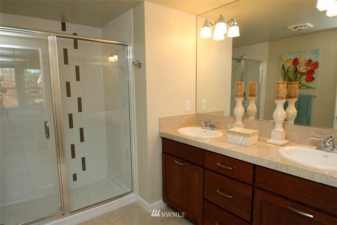 Sold Property | 5813 55th Avenue NE #B Seattle, WA 98105 8