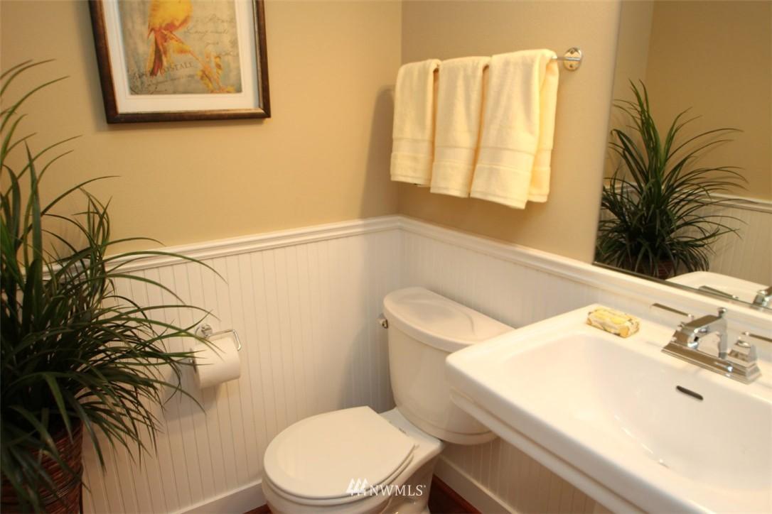 Sold Property | 5813 55th Avenue NE #B Seattle, WA 98105 12
