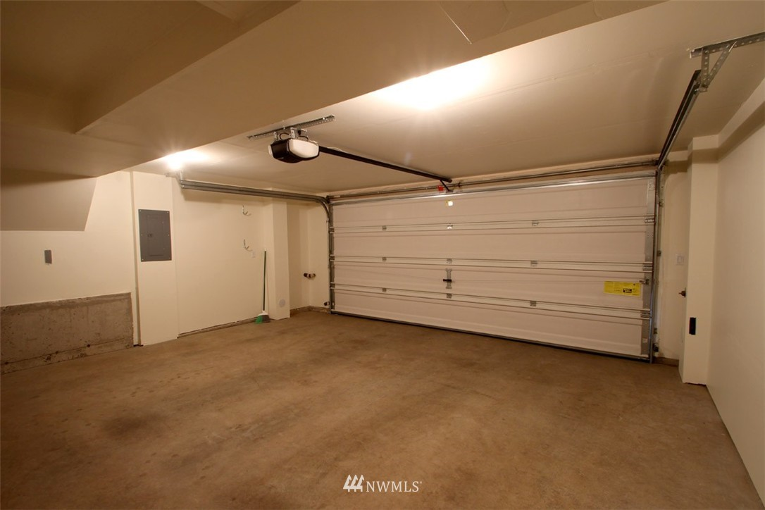 Sold Property | 5813 55th Avenue NE #B Seattle, WA 98105 13