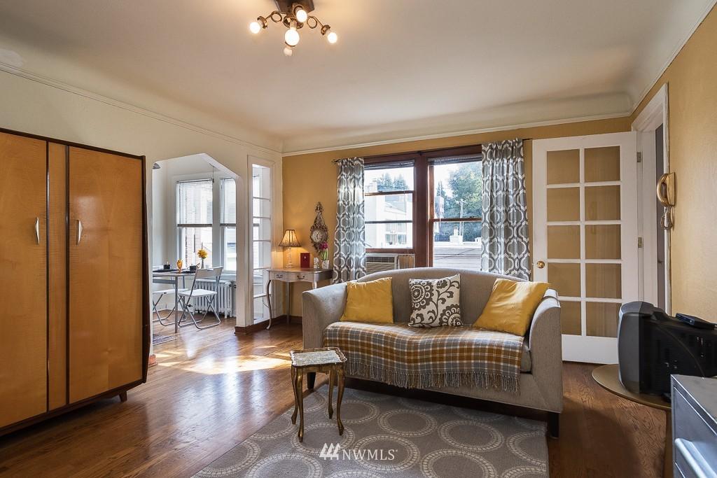 Sold Property | 220 W Olympic Place #309 Seattle, WA 98119 1