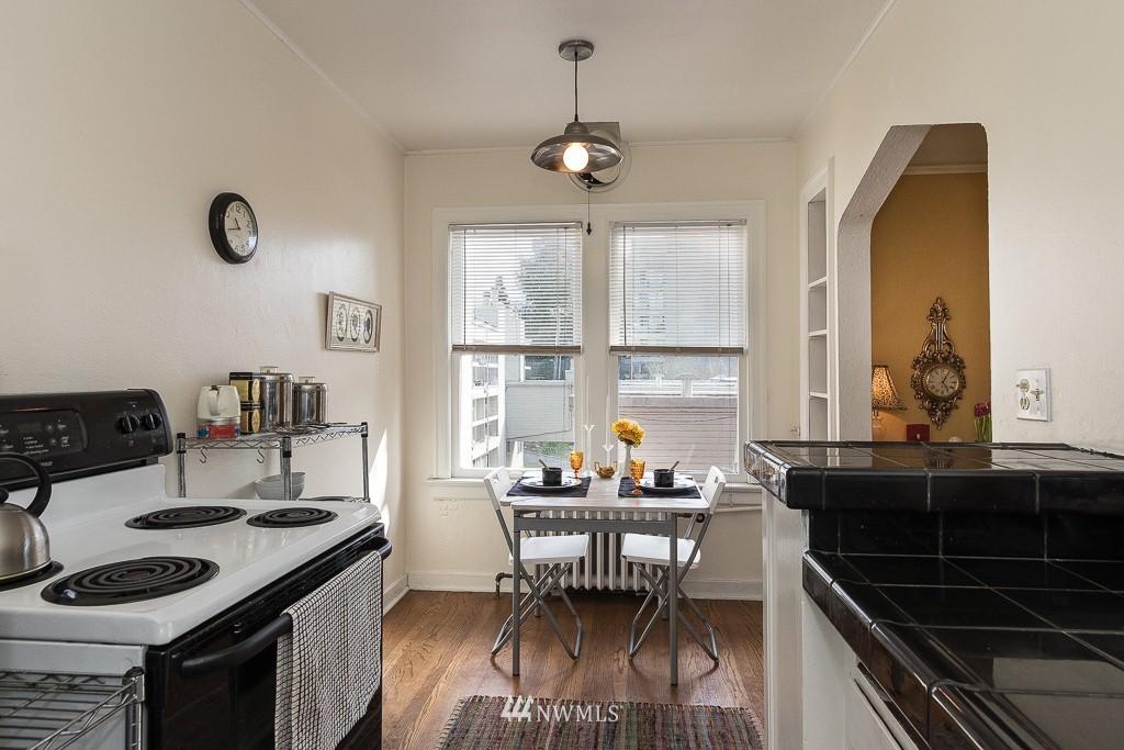 Sold Property | 220 W Olympic Place #309 Seattle, WA 98119 7
