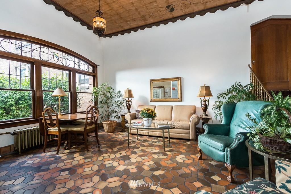 Sold Property | 220 W Olympic Place #309 Seattle, WA 98119 12