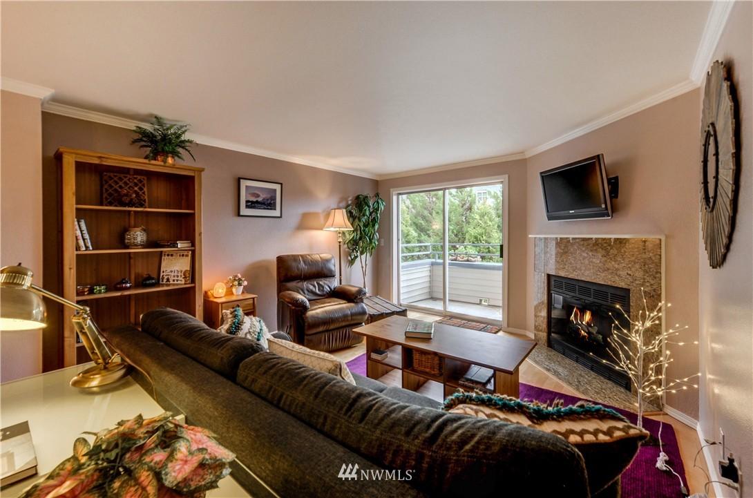Sold Property | 6970 California Avenue SW #B204 Seattle, WA 98136 10