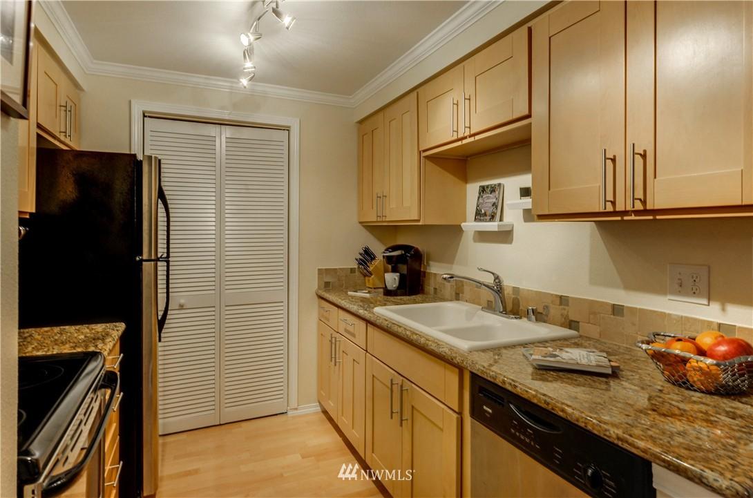 Sold Property | 6970 California Avenue SW #B204 Seattle, WA 98136 15