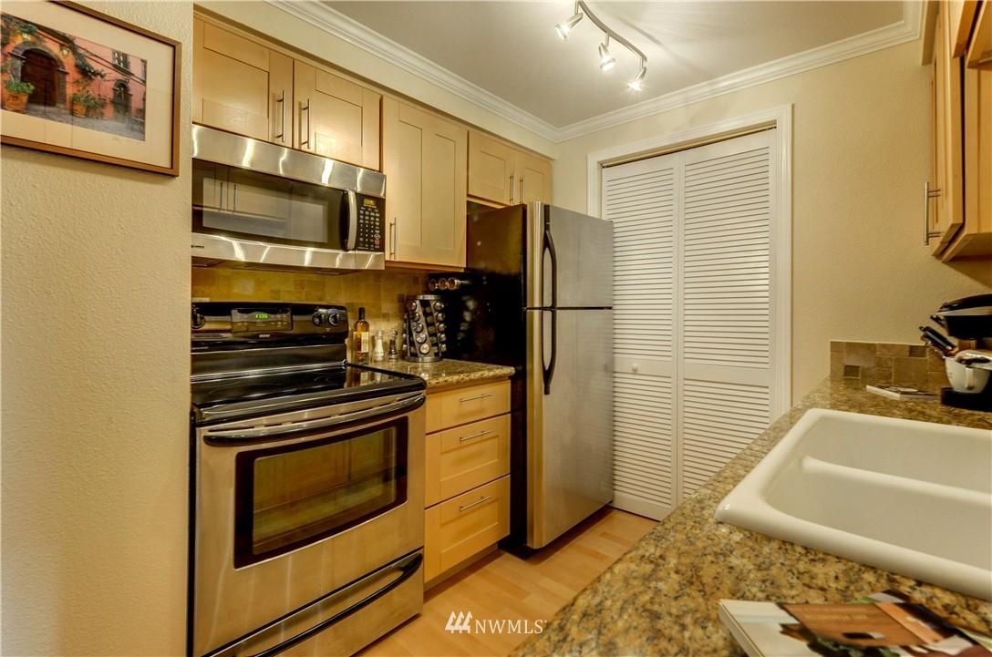 Sold Property | 6970 California Avenue SW #B204 Seattle, WA 98136 16