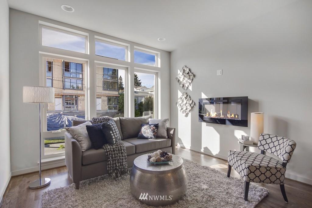 Sold Property   3839 Gilman Avenue W Seattle, WA 98119 7