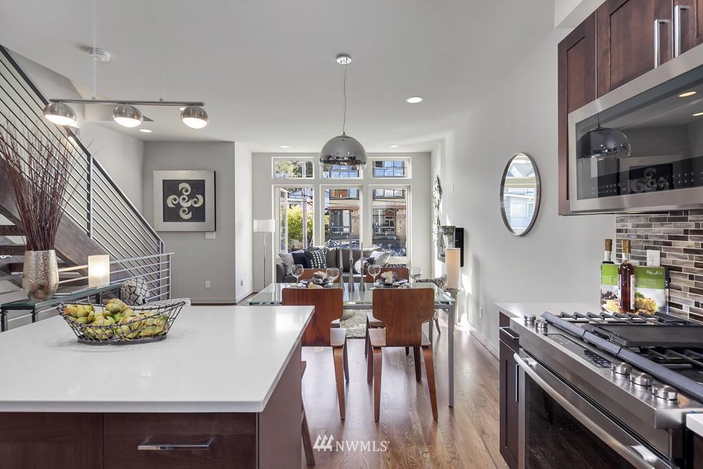 Sold Property   3839 Gilman Avenue W Seattle, WA 98119 10