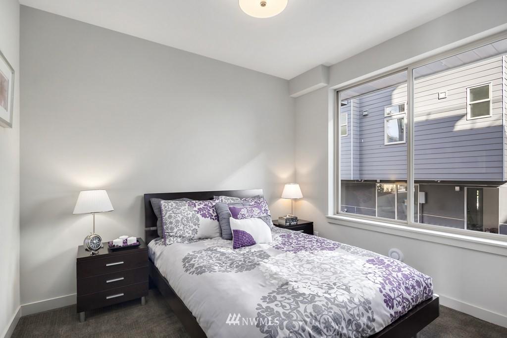 Sold Property   3839 Gilman Avenue W Seattle, WA 98119 11