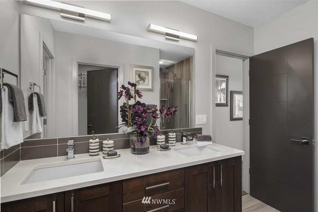 Sold Property   3839 Gilman Avenue W Seattle, WA 98119 12
