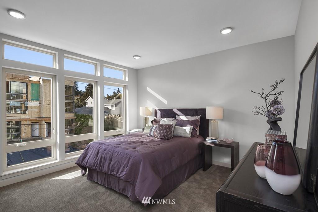 Sold Property   3839 Gilman Avenue W Seattle, WA 98119 13