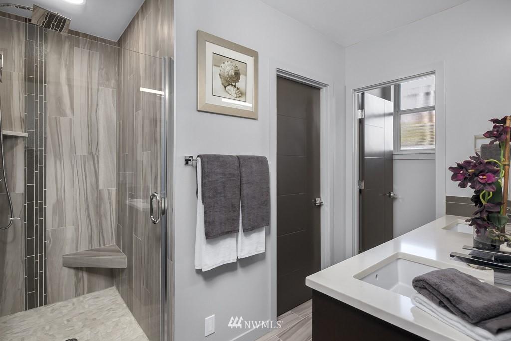 Sold Property   3839 Gilman Avenue W Seattle, WA 98119 14