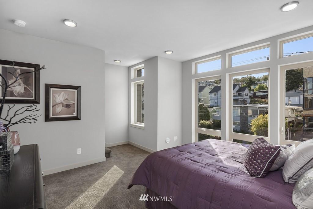 Sold Property   3839 Gilman Avenue W Seattle, WA 98119 15