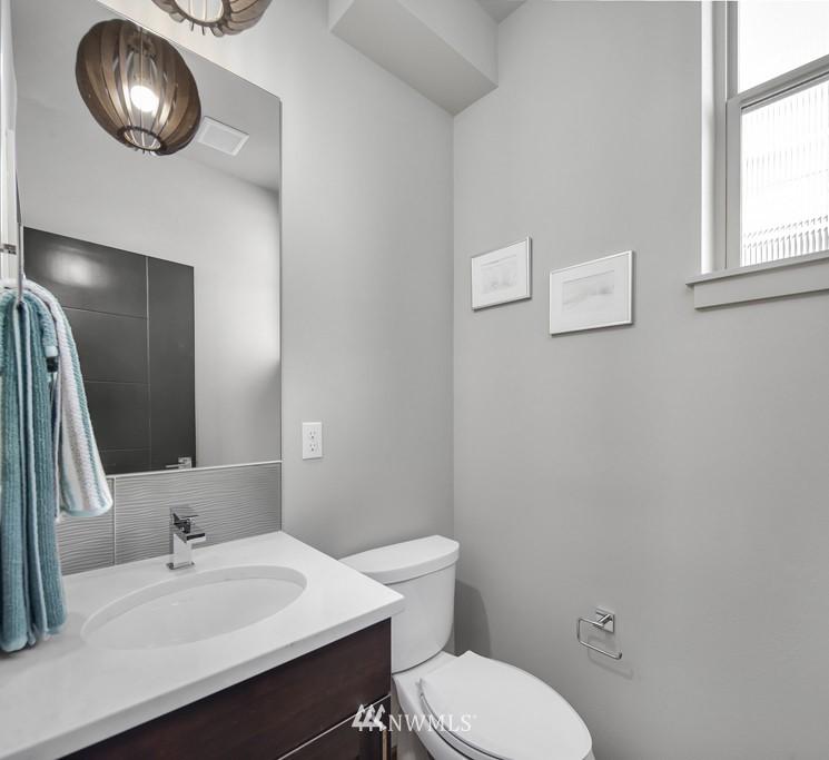 Sold Property   3839 Gilman Avenue W Seattle, WA 98119 17