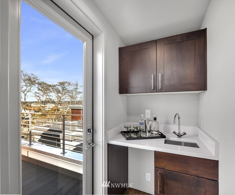 Sold Property   3839 Gilman Avenue W Seattle, WA 98119 18