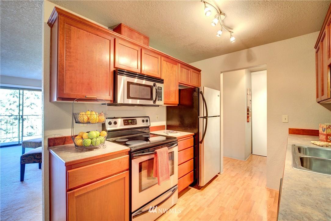 Sold Property | 750 N 143rd Street #308 Seattle, WA 98133 3