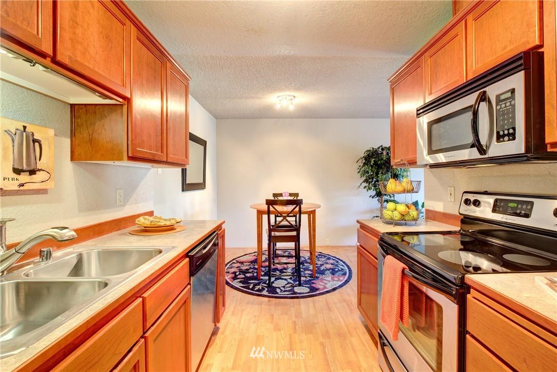 Sold Property | 750 N 143rd Street #308 Seattle, WA 98133 4