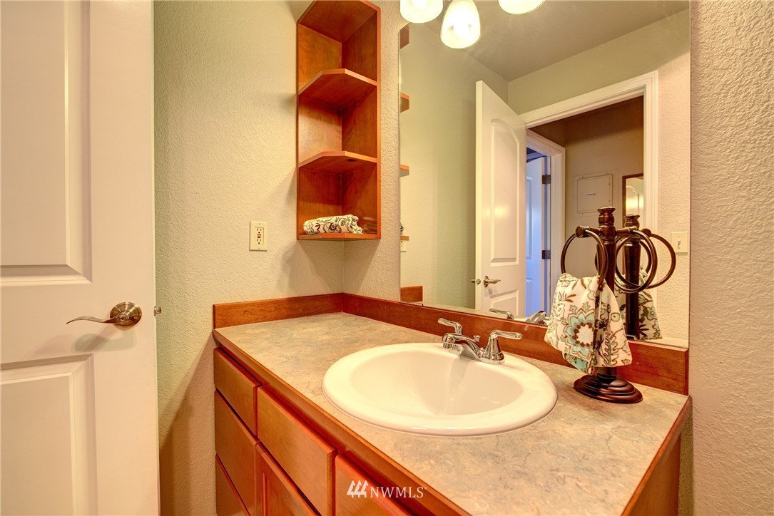 Sold Property | 750 N 143rd Street #308 Seattle, WA 98133 10