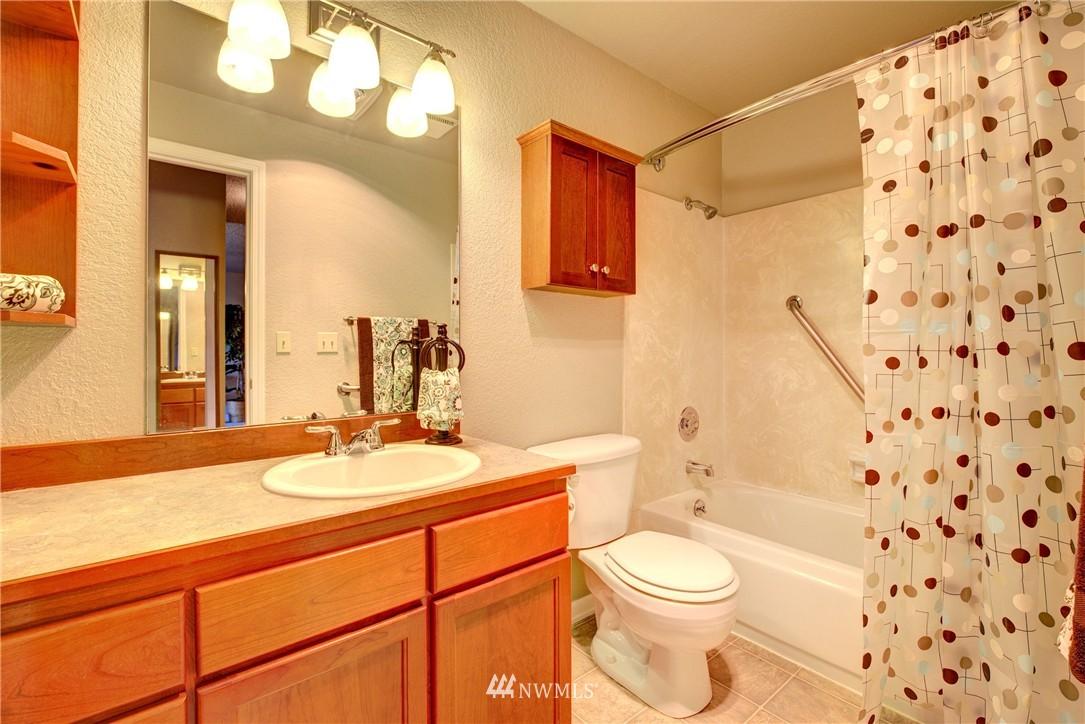 Sold Property | 750 N 143rd Street #308 Seattle, WA 98133 11