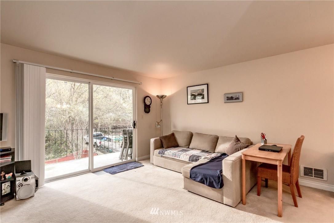 Sold Property | 4525 S Henderson Street #301 Seattle, WA 98118 10