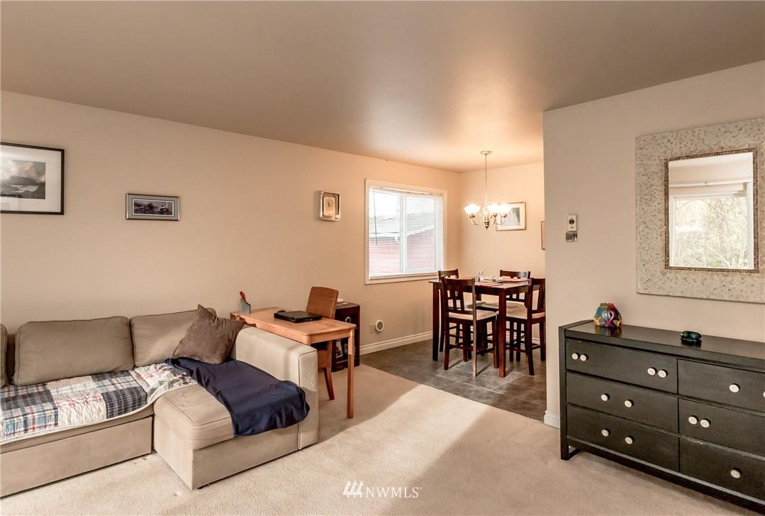 Sold Property | 4525 S Henderson Street #301 Seattle, WA 98118 11