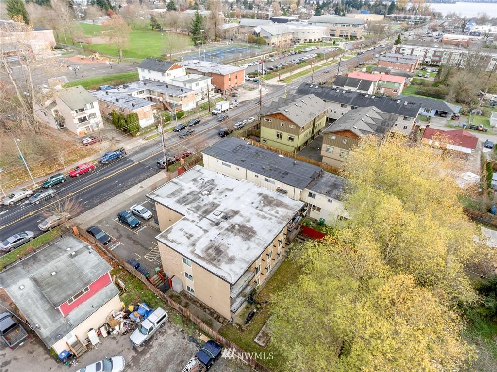 Sold Property | 4525 S Henderson Street #301 Seattle, WA 98118 21